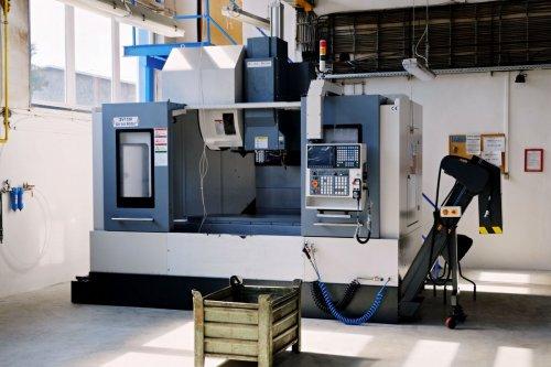 Nové stroje v naší firmě